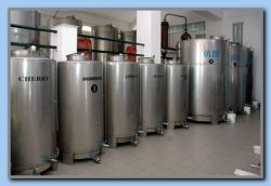 Storage & mixing tanks
