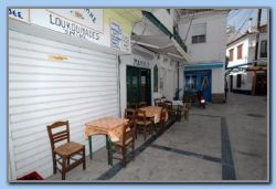 Manolis souvlakiashop at the Platia