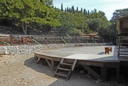 13-Ancient_theater_Pythagorion