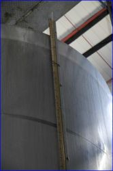 Top of a full tank The condense show the level.