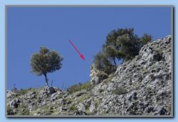 '6' - This is Kastro Louloudas. About 1000 m. of walk/climb from point '5'.