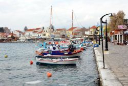 47-Pythagorion_harbour_front
